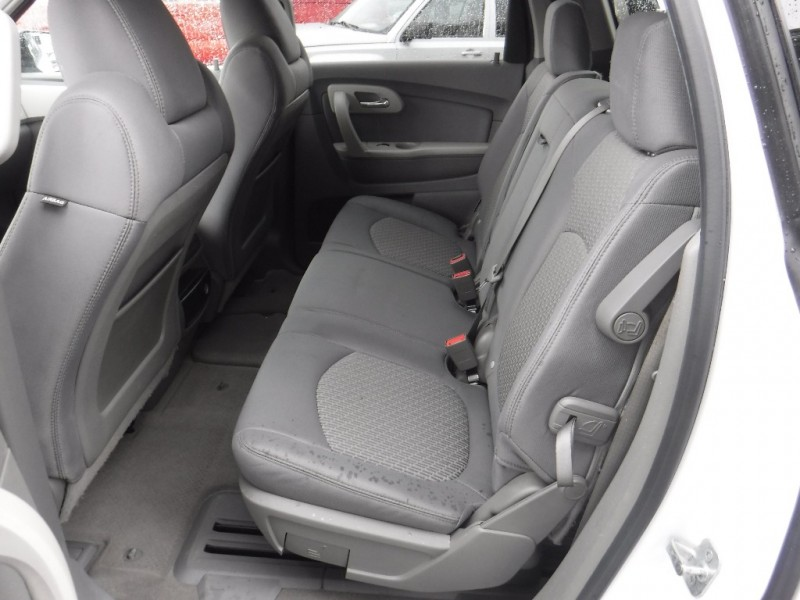 Chevrolet Traverse 2010 price $9,950