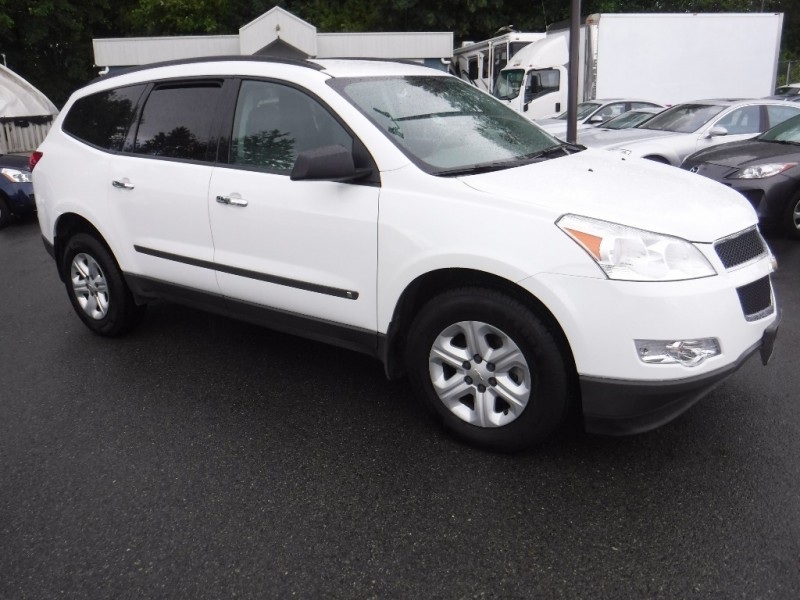Chevrolet Traverse 2010 price $8,950