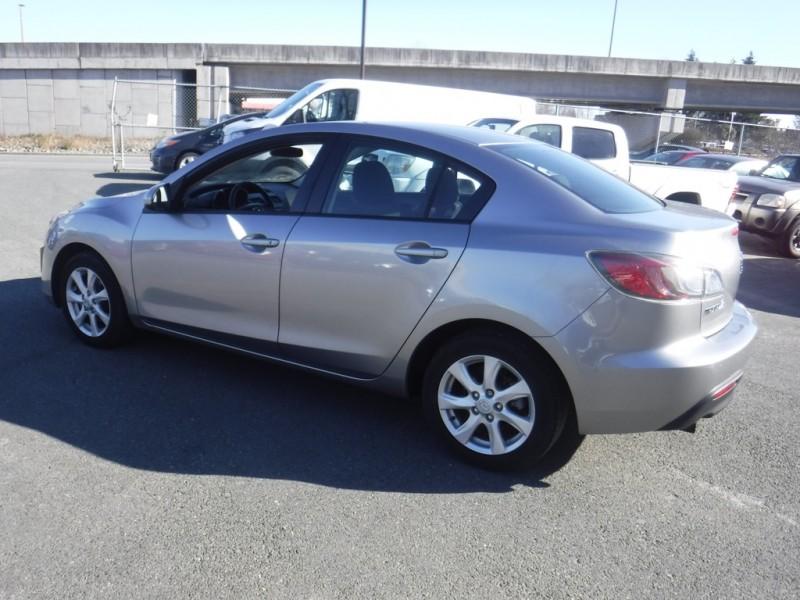 Mazda Mazda3 2011 price $7,950