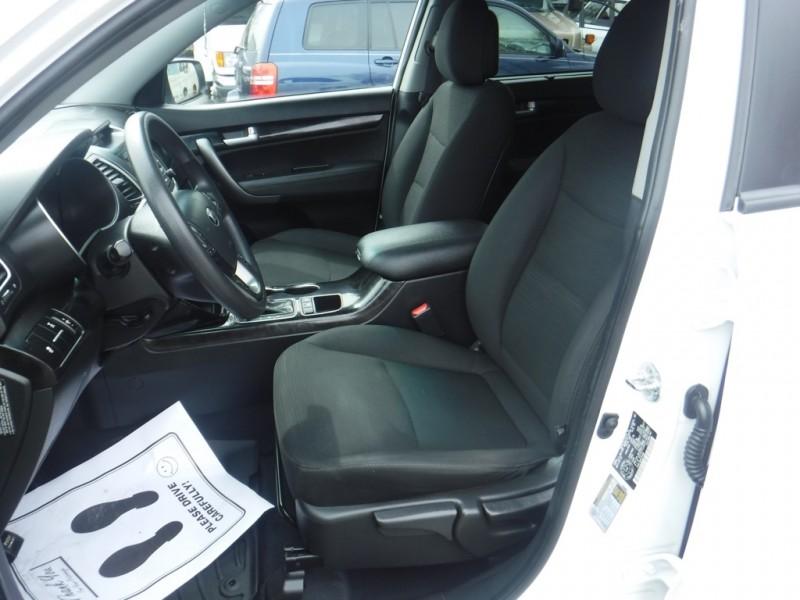 Kia Sorento 2015 price $14,950