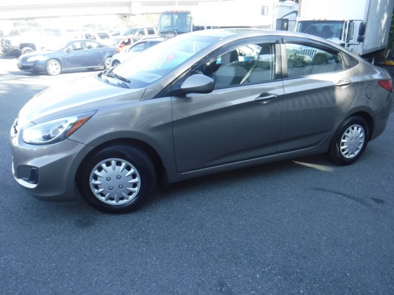 2013 Hyundai Accent Sedan >> 2013 Hyundai Accent