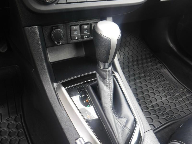 Toyota Corolla 2015 price $15,950