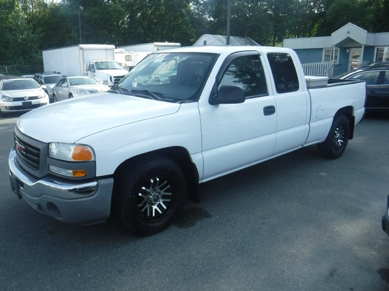 GMC Sierra 1500 2004 price $5,950