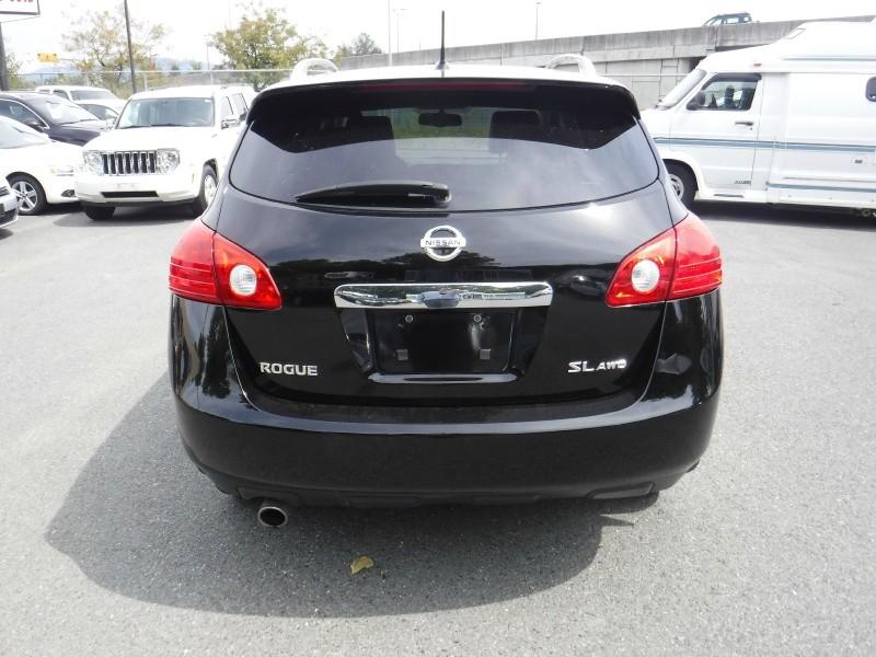 Nissan Rogue 2013 price $12,950