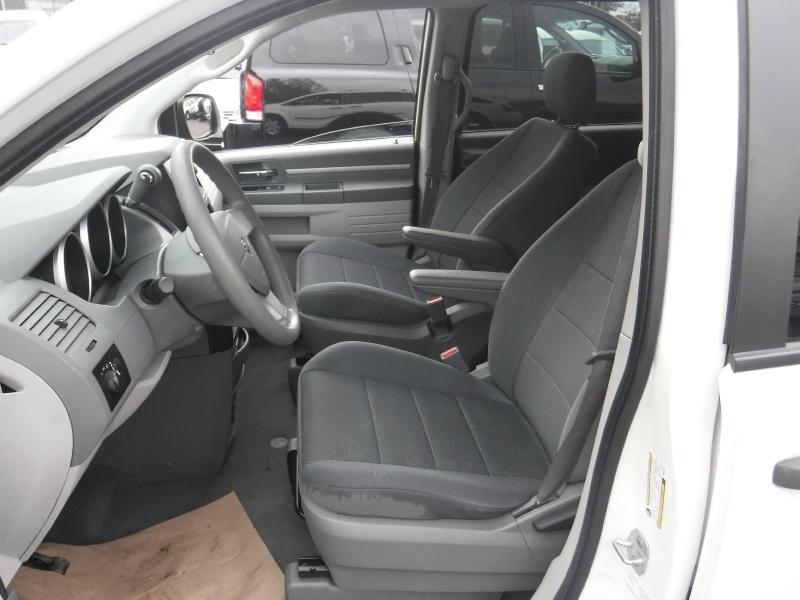 Dodge Grand Caravan 2009 price $4,950