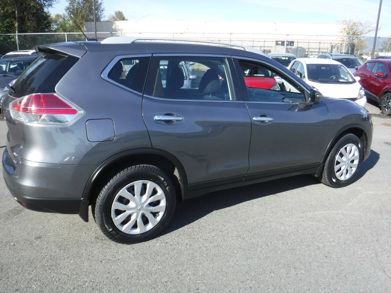 Nissan Rogue 2015 price $14,950