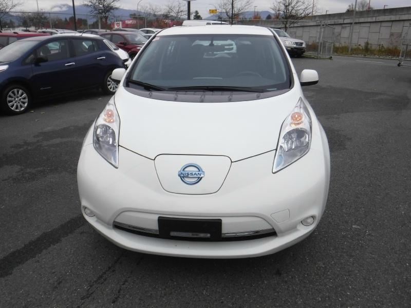 Nissan LEAF 2017 price $20,900