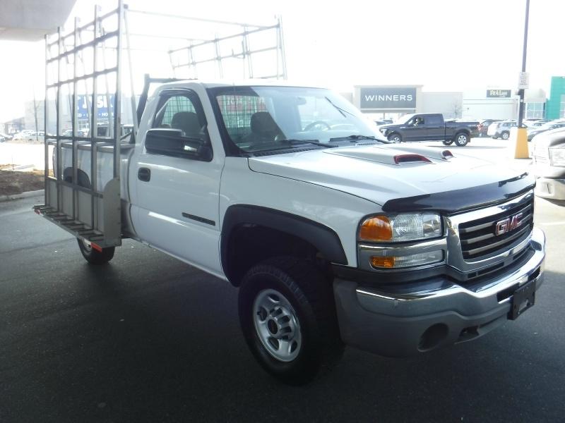 GMC Sierra 2500HD 2005 price $10,950