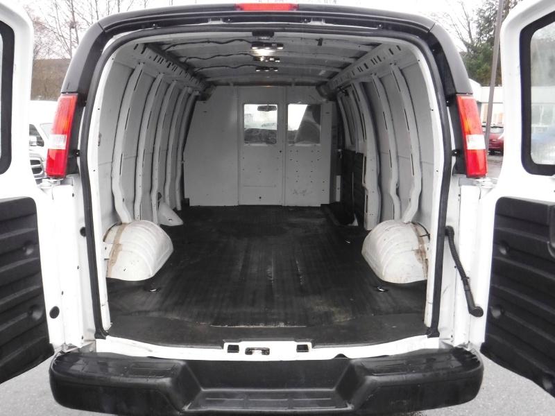 GMC Savana Cargo Van 2016 price $22,950