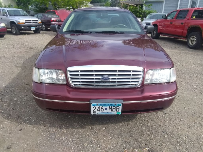 FORD CROWN VICTORIA 2005 price $3,499