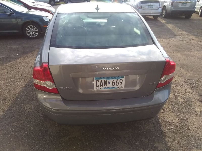 VOLVO S40 2005 price $3,499