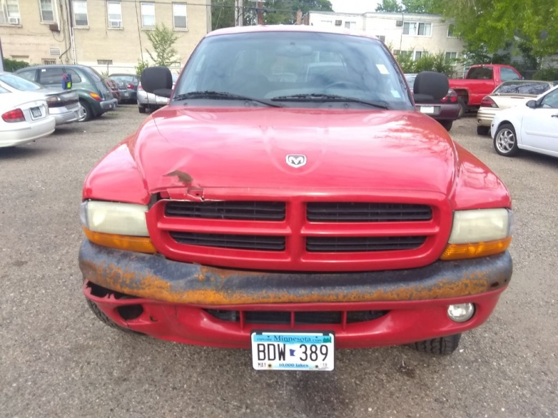 DODGE DAKOTA 2000 price $1,499