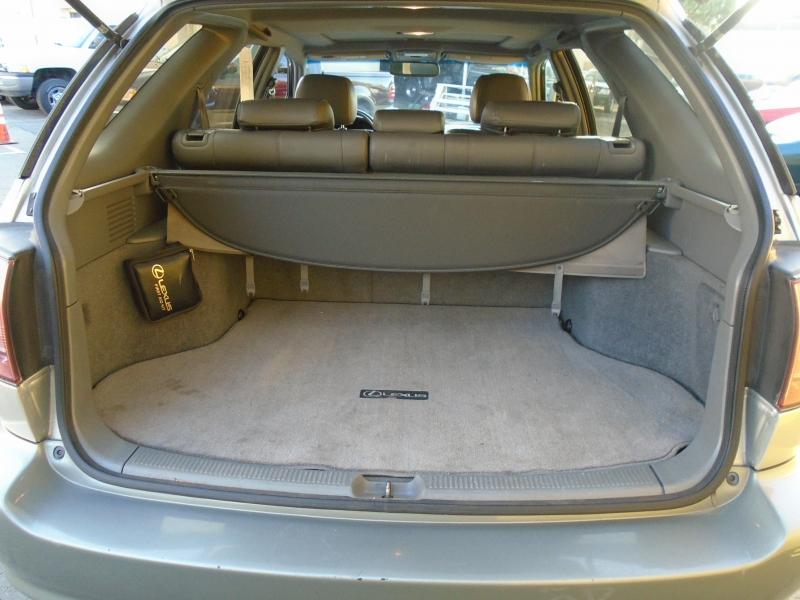 Lexus RX300 2000 price $5,250