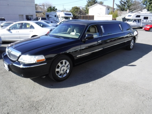 2008 Lincoln Town Car Limo Inventory Wheels And Deals Auto