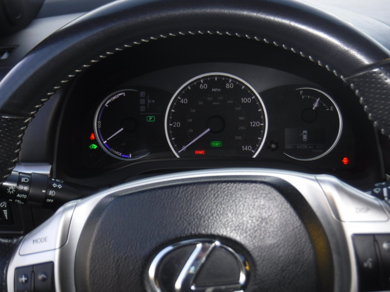 Lexus CT200h 2013 price $14,800
