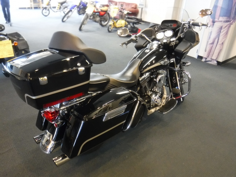 Harley Davidson Road Glide 2003 price $9,995