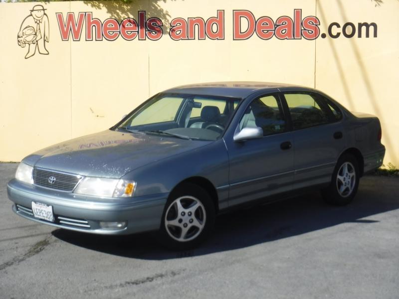 Toyota Avalon 1999 price $2,995