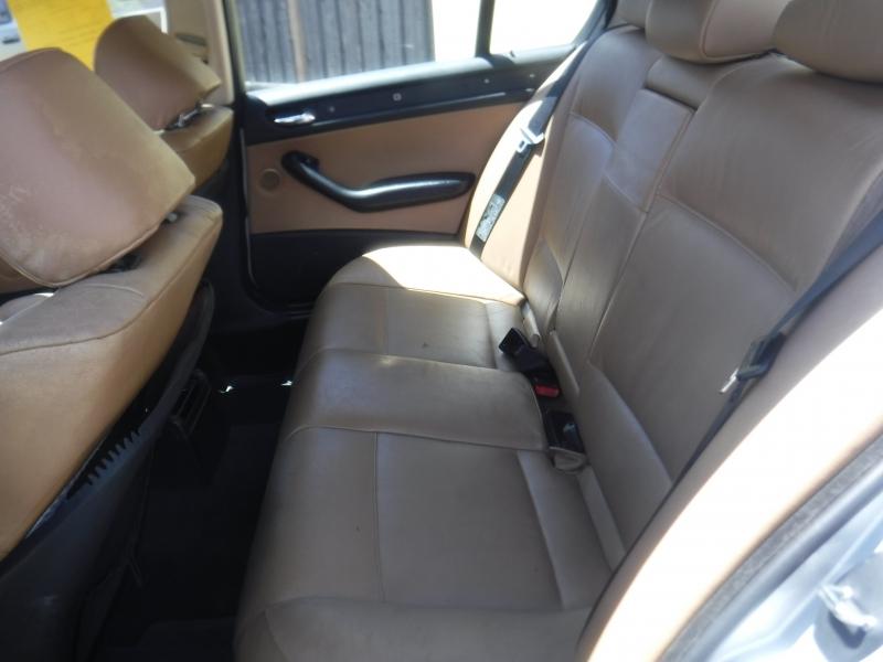 BMW 325i 2003 price $3,888