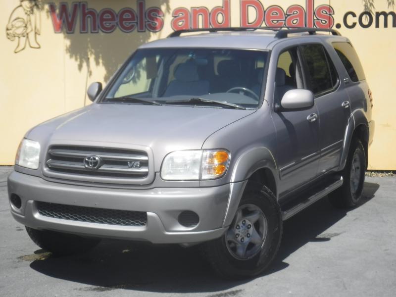 Toyota Sequoia 2001 price $2,995