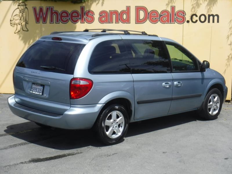 Dodge Caravan 2005 price $4,995