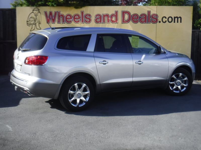 Buick Enclave 2008 price $9,800