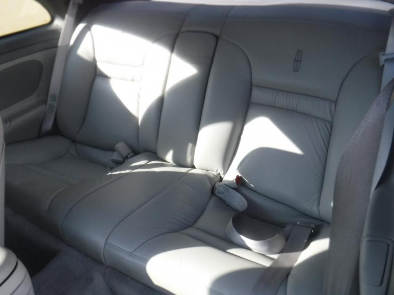 Lincoln Continental 1996 price $2,995