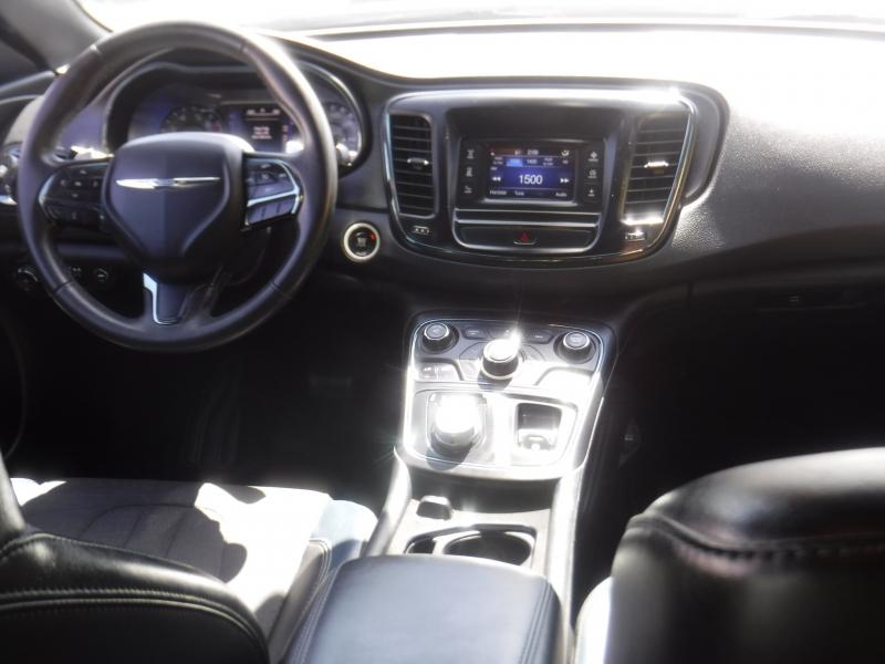 Chrysler 200 2015 price $12,950
