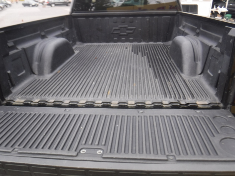 Chevrolet Silverado 2006 price $20,000