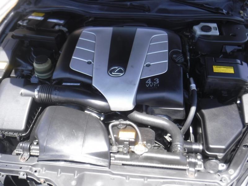 Lexus SC 430 2005 price $9,999
