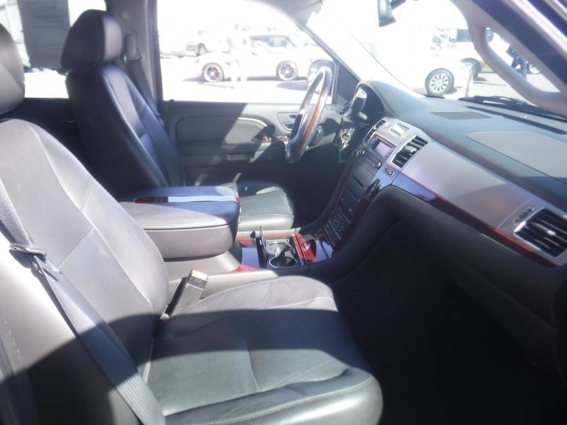 Cadillac Escalade 2007 price $19,900