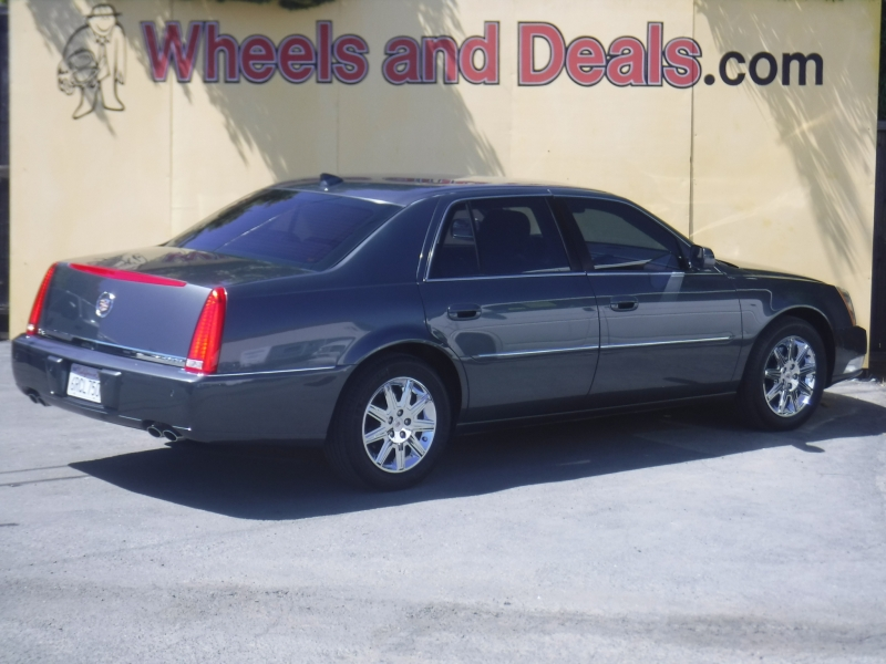 Cadillac DTS 2011 price $8,595
