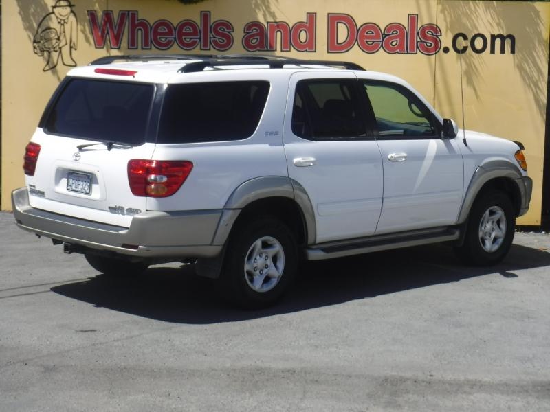 Toyota Sequoia 2001 price $7,200