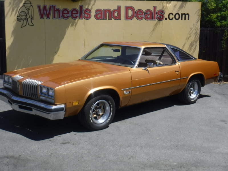 Oldsmobile Cutlass 1977 price $11,800