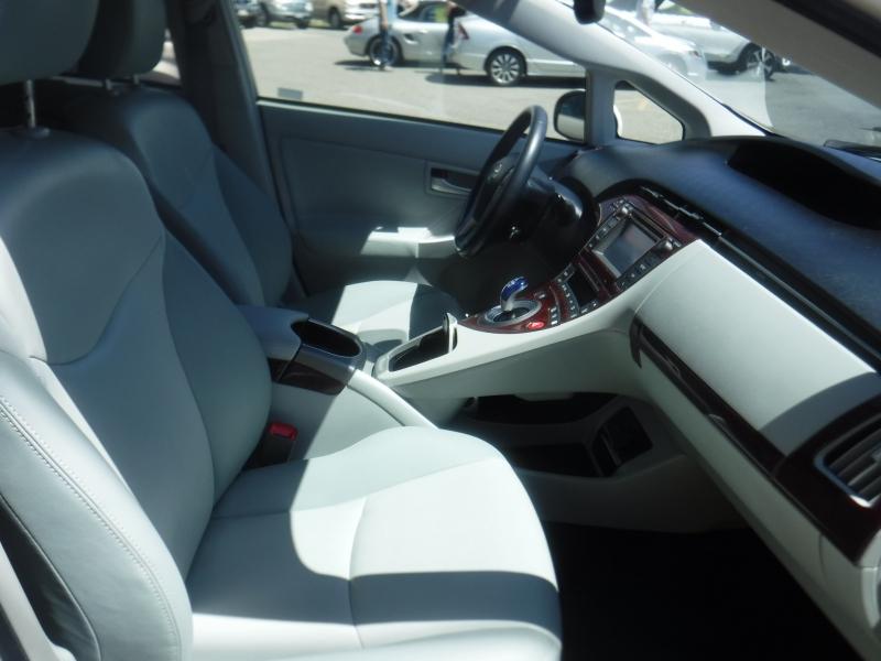 Toyota Prius 2013 price $16,999