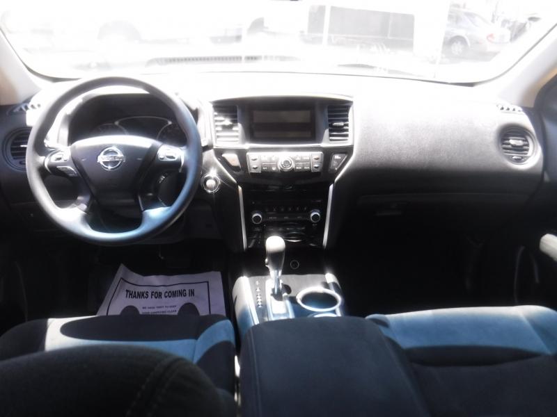 Nissan Pathfinder 2016 price $15,999