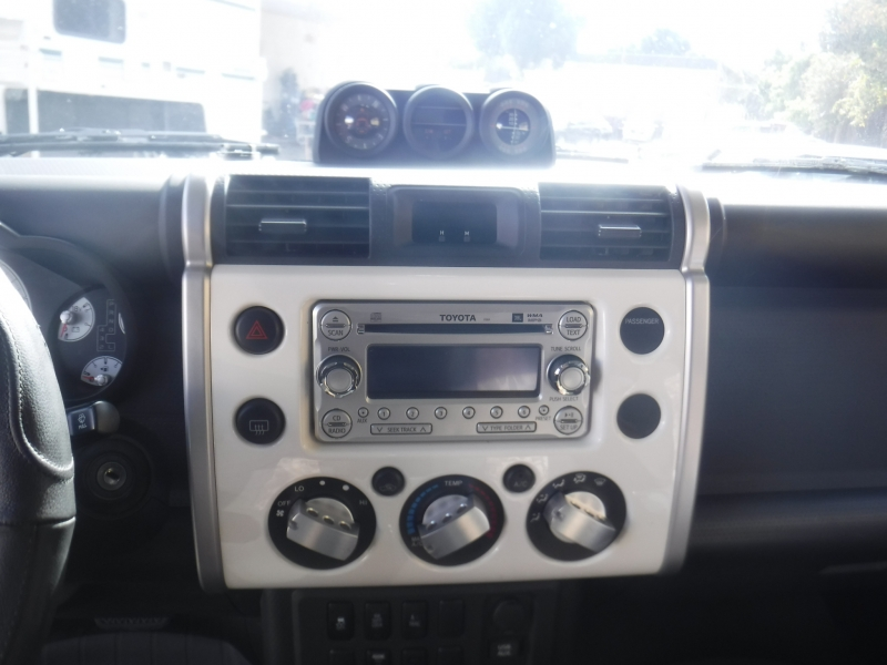 Toyota FJ Cruiser 2012 price $35,250
