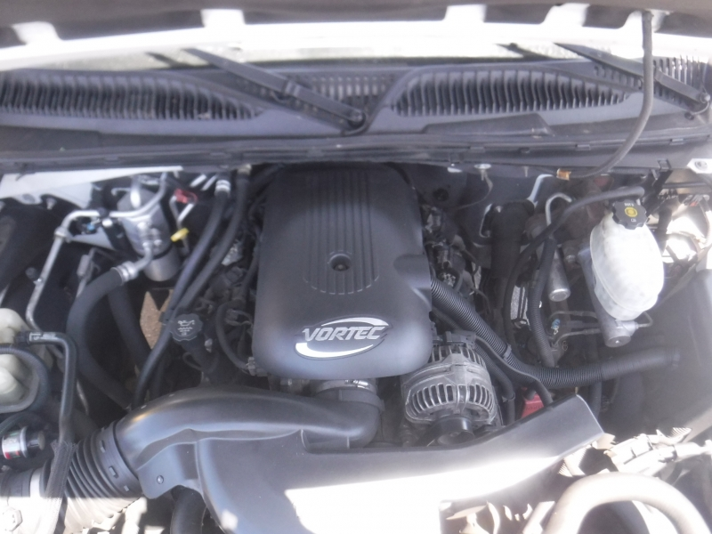 GMC Yukon Xl 1500 2005 price $3,950