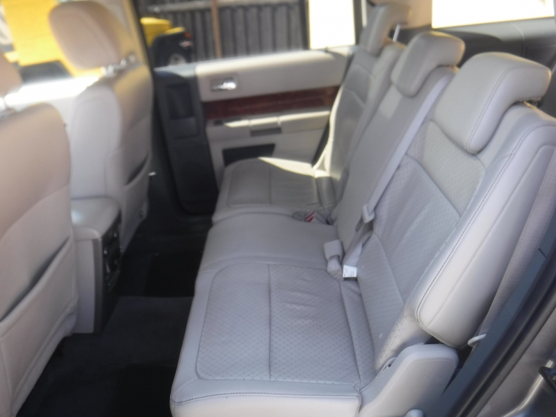 Ford Flex 2009 price $7,999