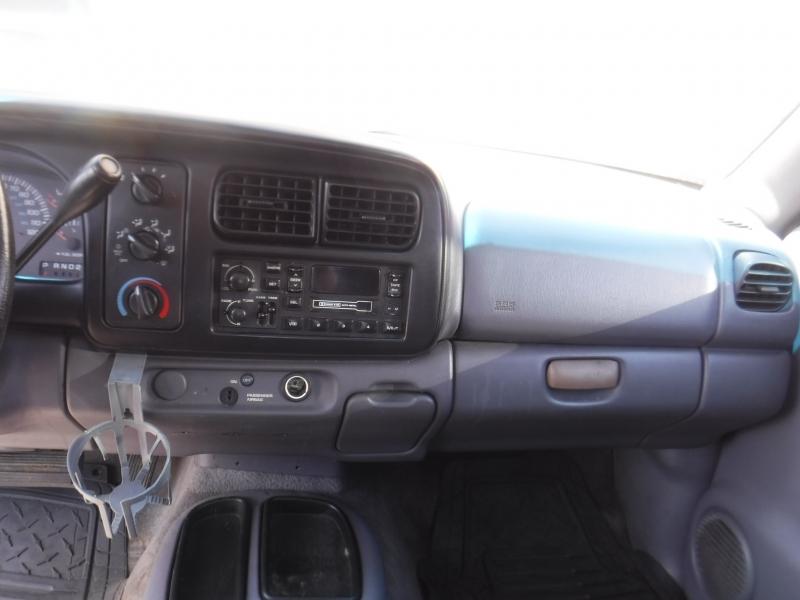 Dodge Dakota 2000 price $2,300