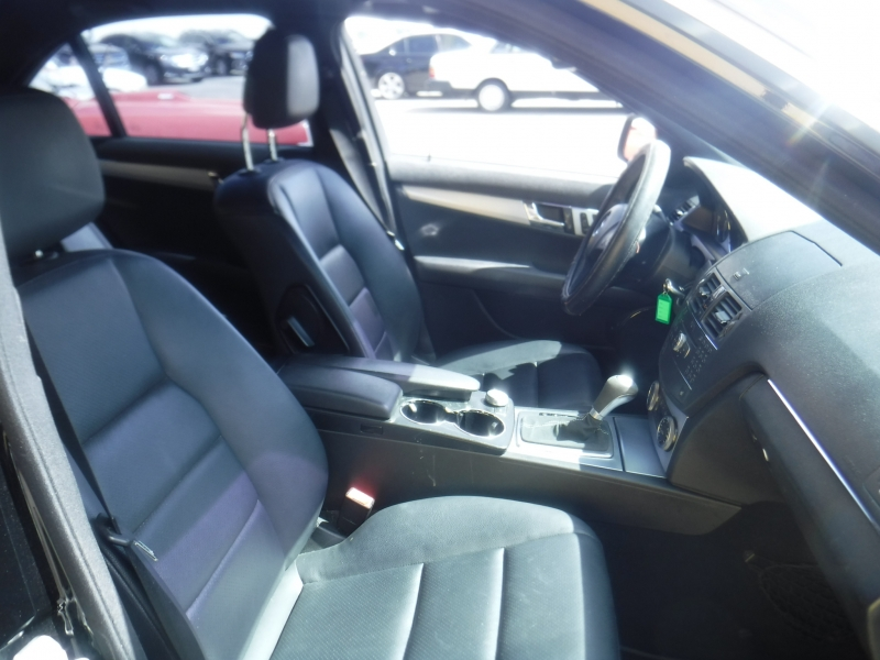 Mercedes-Benz C300 2009 price $6,999