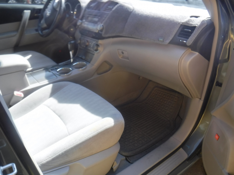 Toyota Highlander 2008 price $10,500