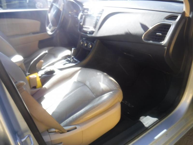 Chrysler 200 2013 price $7,700