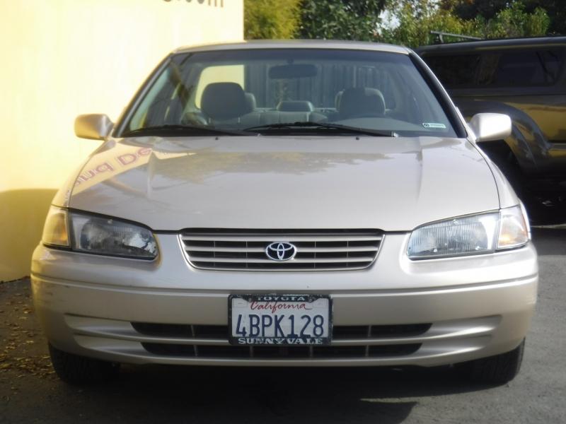 Toyota Camry 1998 price $3,999