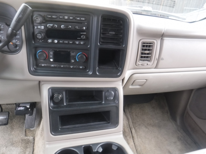Chevrolet Tahoe 2003 price $2,600