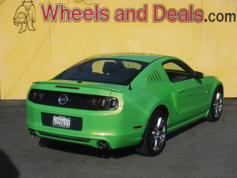Ford Mustang 2013 price $15,999