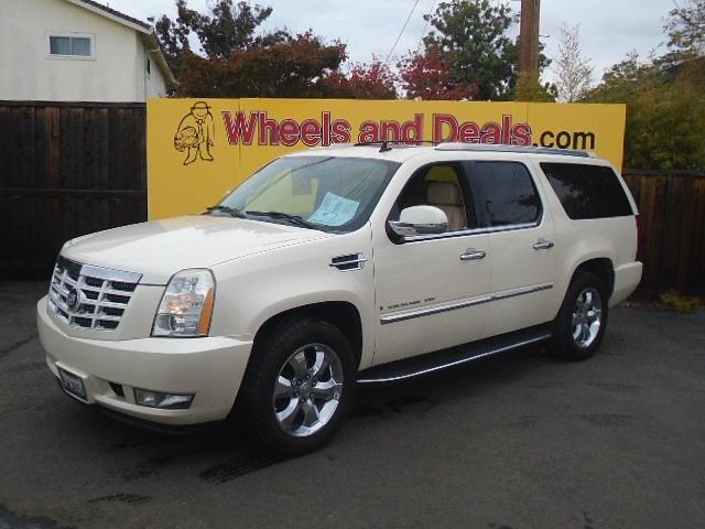 Cadillac Escalade 2007 price $10,300