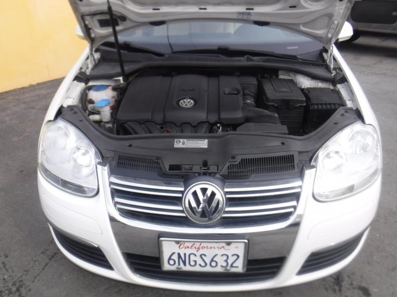 Volkswagen Jetta 2010 price $5,499