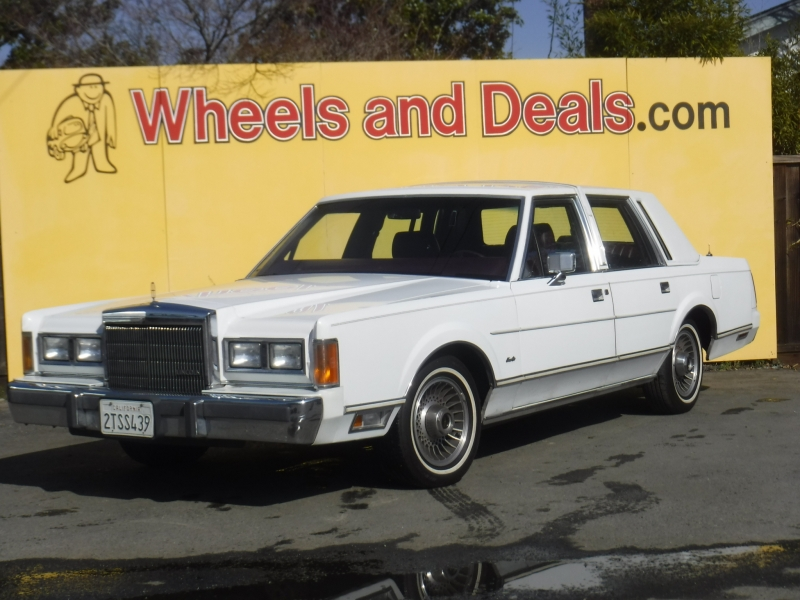 Lincoln Town Car 1989 price $4,999