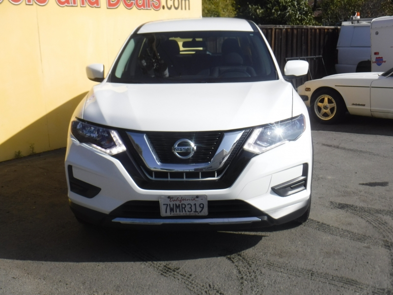 Nissan Rogue 2017 price $11,800