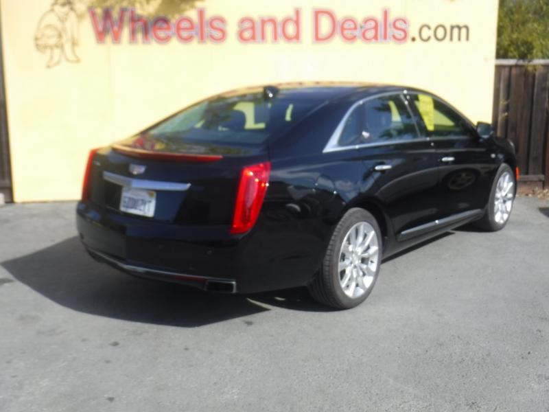 Cadillac XTS 2017 price $17,850